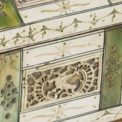 Casket in ivory -