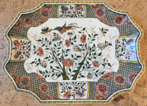A Chinese tray - Porcelain & Faience Style