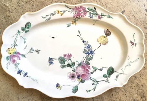 A Marseille oval dish - Porcelain & Faience Style