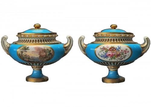 """A pair of Sèvres vases """"allemands unis"""""""
