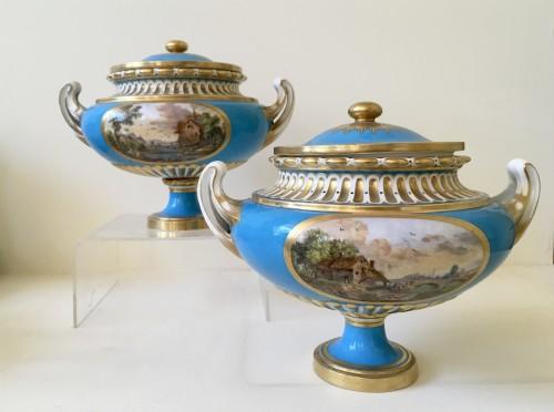 """A pair of Sèvres vases """"allemands unis"""" - Porcelain & Faience Style Louis XV"""