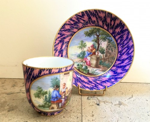 """A Sèvres cup """"Calabre"""" and saucer - Porcelain & Faience Style Louis XV"""