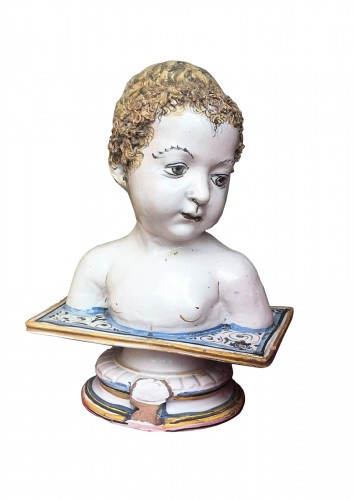 A Deruta bust of a child
