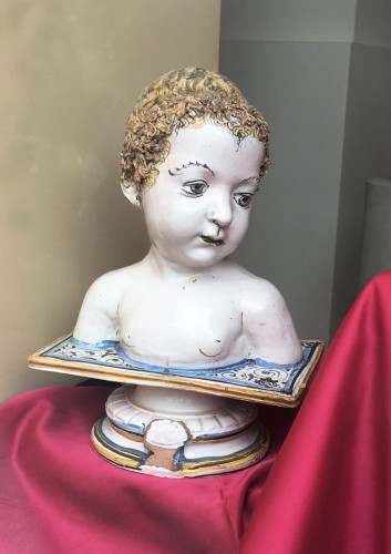 A Deruta bust of a child - Porcelain & Faience Style