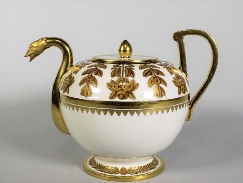 """A Sèvres """"étrusque"""" teapot - Porcelain & Faience Style Restauration - Charles X"""