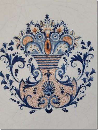A large Rouen dish - Porcelain & Faience Style