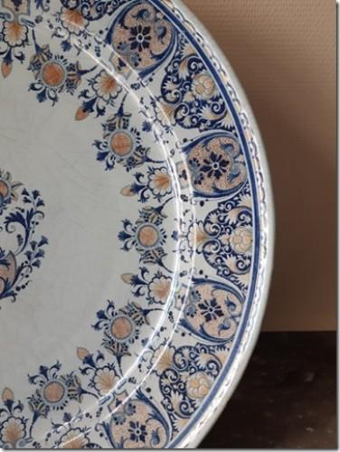 Porcelain & Faience  - A large Rouen dish