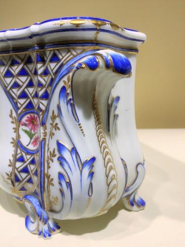 """A Sèvres """"cuvette Courteille"""" flower vase - Porcelain & Faience Style"""