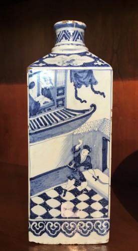 Porcelain & Faience  - A Delft faience bottle