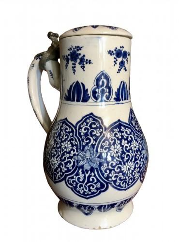 A Delft jug